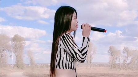 美女演唱一首《还是从前的你吗》,走心入情,句句催人泪下!