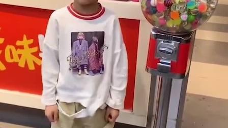 趣味童年:我想要里面的玻璃球!