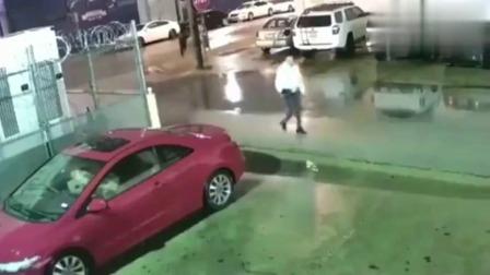 女司机下车去办事,不料回来时却发现车子不见了,这操作真可恶
