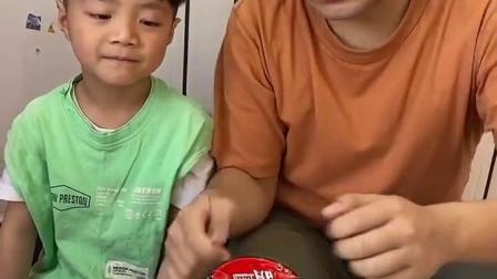 童年的旋律:一人吃一口,宝贝乐哈哈