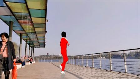 海来阿木的【阿妹的酒】简单帅气32步鬼步舞,背面演示