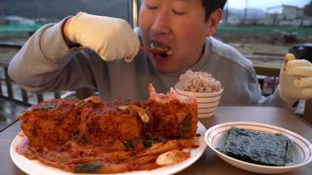 一人独享美味的泡菜炖午餐肉,再配上一碗米饭!【往期精彩片段】