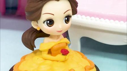 宝宝早教玩具:白雪和贝儿包饺子,你们喜欢谁做的呢?
