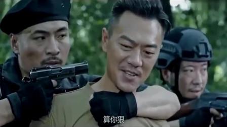 突袭之丛林脱险:狙击手枪枪命,特种兵激战悍匪,火力全开