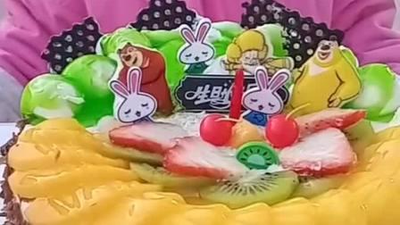 生日快乐,哈哈,吃蛋糕喽.....!