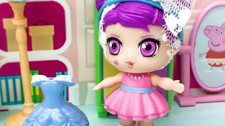 亲子有趣幼教动画:到底是佩奇想拿走芭比的裙子还是僵尸呢?