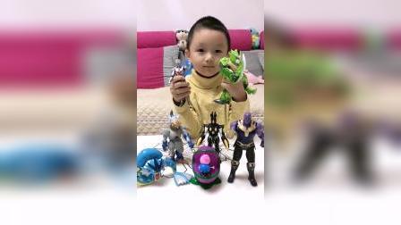童年趣事: 我最喜欢奥特曼玩具
