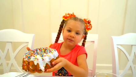 美国儿童时尚,小女孩在家吃蛋糕,真高兴啊
