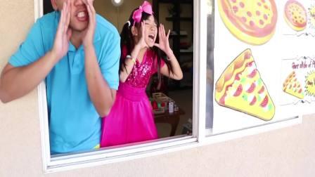 国外萌宝时尚:小女孩的水果比萨,真好吃