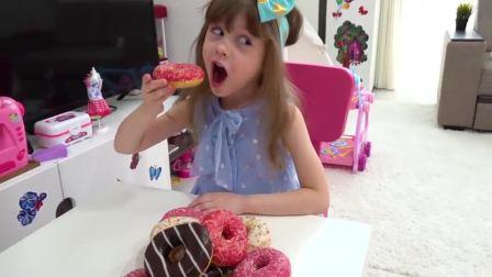 萌娃小可爱吃甜甜圈,记得和妹妹分享哟
