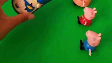 小猪佩奇很喜欢滑板鞋,弟弟乔治也喜欢,大家可以一起去玩
