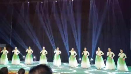 邻水县合流职校表演唱香溪香