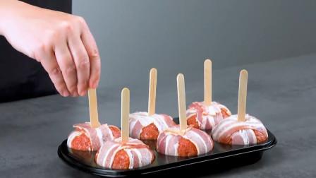 这才是猪肉的正确打开方式!培根裹肉,肉藏青椒,烤熟不够吃!