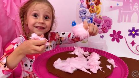 小萌娃给爸爸做生日蛋糕,貌似爸爸不是太满意