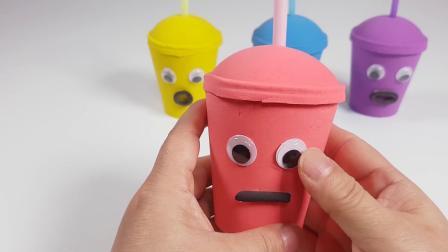 太空沙制作五彩缤纷的彩虹杯,教宝宝认识颜色,真是趣味十足呢