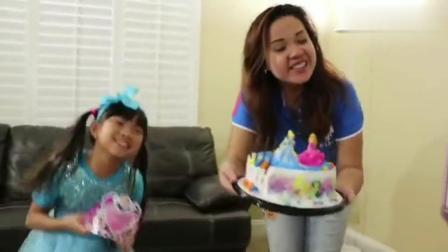 宝宝动画:小萝莉有漂亮的生日蛋糕,一起来吧1