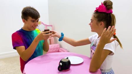 外国小男孩儿和妹妹制作巧克力杯和蛋糕