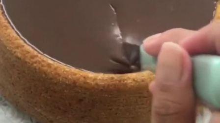 """""""流心蛋糕""""应该怎么吃呢?"""