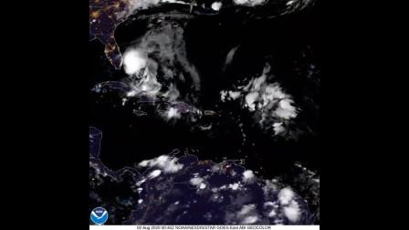 太空看地球:这是以赛亚飓风的旅程
