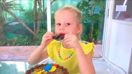 爸爸给娜斯佳做了一个巧克力蛋糕,娜斯佳非常喜欢吃!~