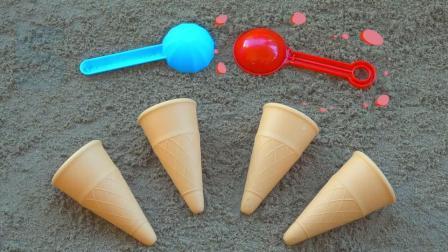 孩子们玩铲车和冰淇淋甜筒玩具学习颜色,制作沙子冰淇淋模型
