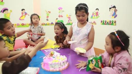 有趣的孩子们在教室里学习动物绘画吃生日蛋糕
