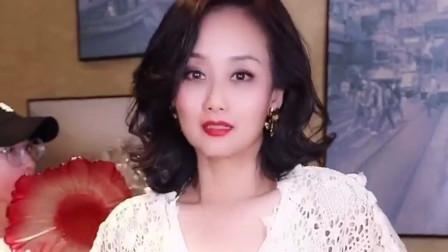 儿子是实力派演员,女儿是奥运冠军,如今52岁的李颖依旧气质非凡!