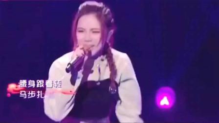 李玟和邓紫棋演唱《刀马旦》,曾经无限循环的歌曲,现在依旧好听!