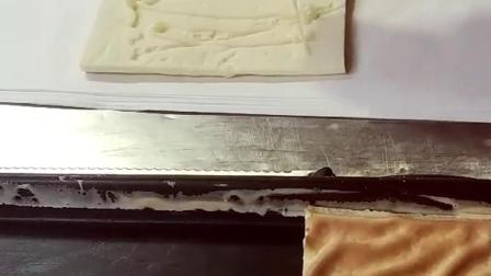 虎皮蛋糕卷加工过程第二步