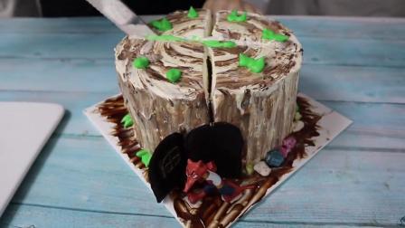 切开学员做的树桩蛋糕