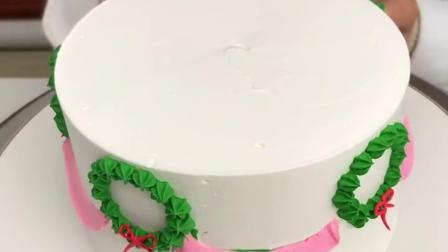 圣诞节就快到了,给大家做一款圣诞树蛋糕