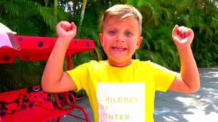 儿童亲子互动,戴安娜用推车卖芒果冰激凌,小哥哥被酸的直流眼泪