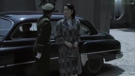 毒刺:女友被叫走,不让男子跟着,男子这下不高兴了