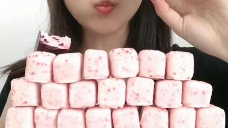 萌姐试吃:奶油雪糕完美脱模