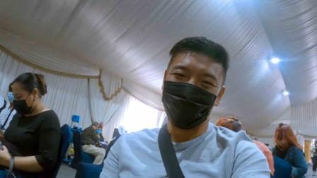 小伙在迪拜接种中国新冠疫苗 周围外国人的反应圈粉无数