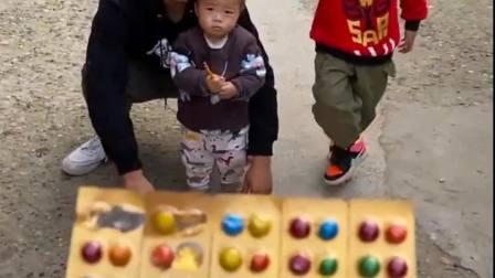 欢乐童年:巧克力豆当药药 有点意思