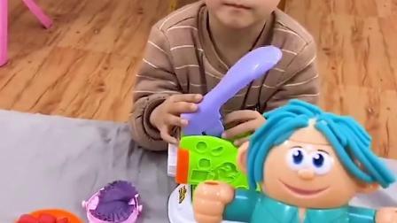 美好回忆:给玩具宝宝做一碗牛肉面