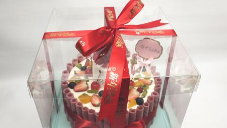 居家过年不返乡回家过年,妈妈生日怎么办?点个外卖蛋糕免费到家,鎏金新年快乐,透明的盒子高端大气上档次!