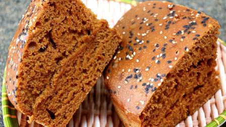 红糖发糕最懒人做法,简单一搅,又松又软又筋道,比面包还香