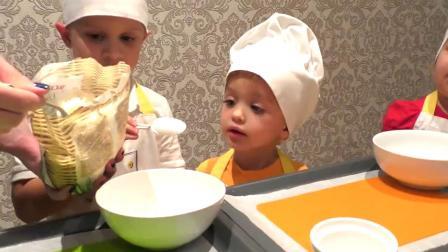 好多小朋友在这里一起做蛋糕哦,要不要一起来学一学呢
