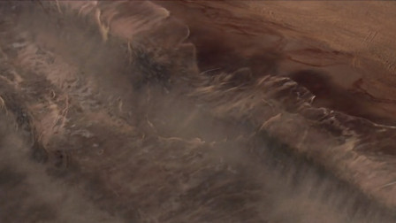 海水突然被吸走,海啸来临的征兆