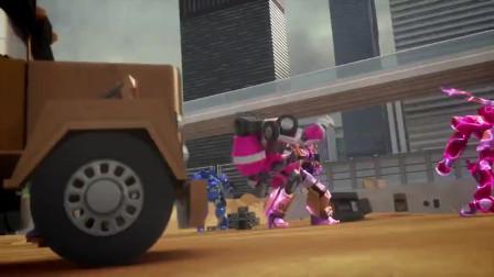 迷你特工队x:塞米无法操控自己的机甲,露西一旁干着急