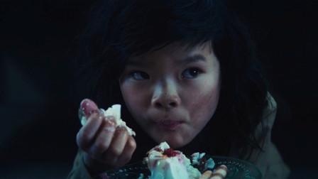 经历过人性的至暗时刻,男子把最好的奶冻,给了最需要食物的孩子