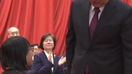 """实至名归!""""燃灯校长""""张桂梅当选全国脱贫攻坚楷模,致敬!"""