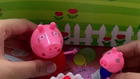 玩具故事:我给妈妈做了个草莓蛋糕