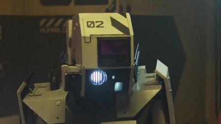 绝密档案3:科学家制造美女机器人,抛弃老旧机器人,结局科学家崩溃!