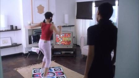 我爱777:美女只会跳舞,不会的