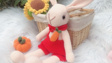 【菲儿妈手作第150集】毛线手工diy钩针编织小兔子可爱玩偶兔子野餐兔背带裤兔子零基础视频教程图解视频