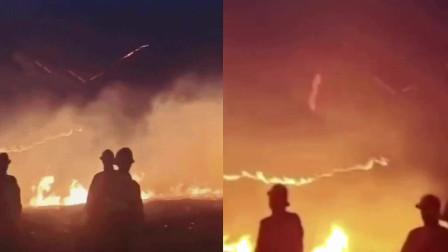 现场:宁夏固原市一林场附近发生火灾 浓烟滚滚已致26伤!