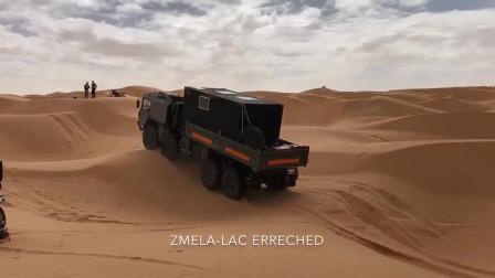 退役的8X8德国曼KAT 1 A1军车沙漠驰骋,要是这车改成房车去那都不怕!